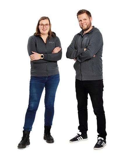 PALA Betonikalusteet Jenni ja Marko seisovat vierekkäin.
